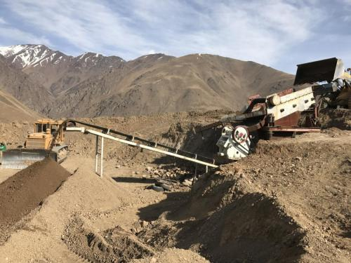 Road Base Material Crushing-1 (1)